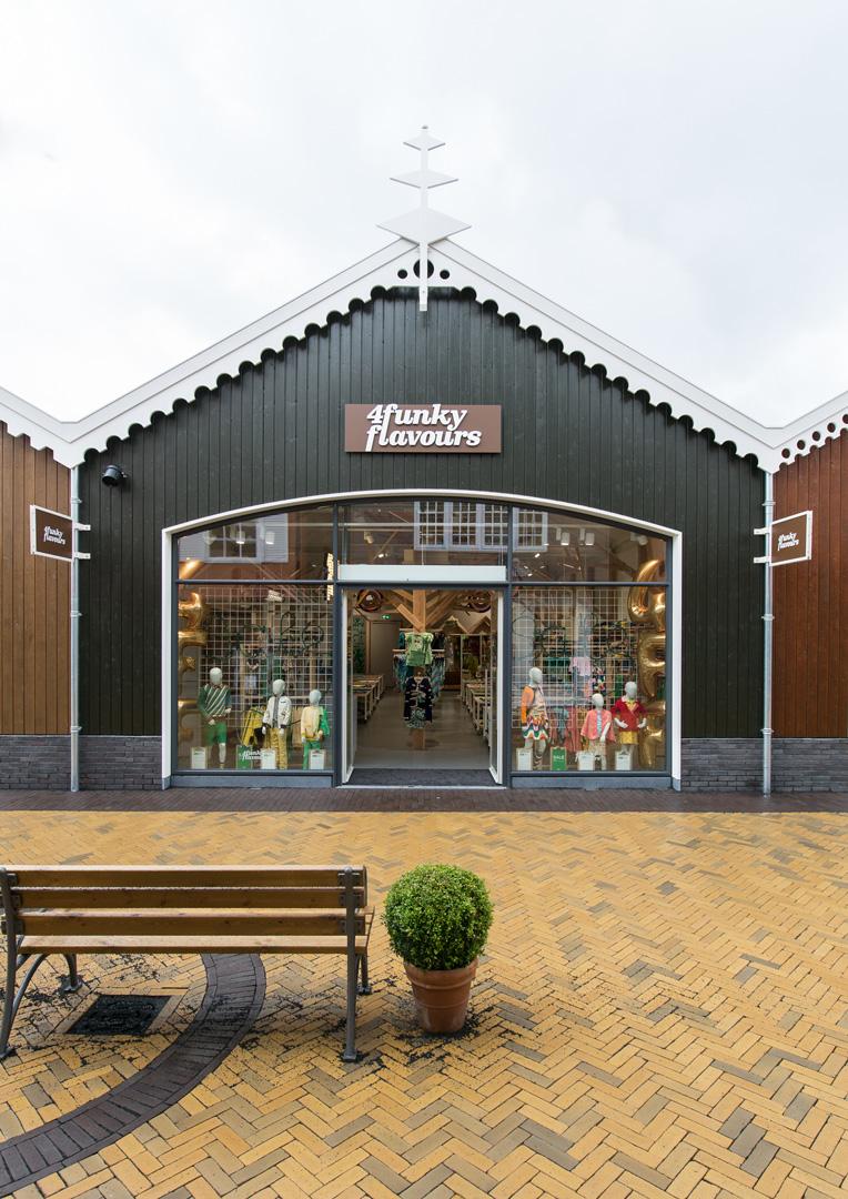 Designer Outlet Roosendaal outlet store storefront